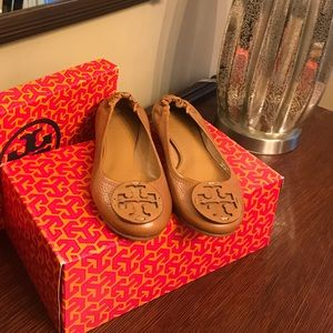 Never worn tory burch flats!